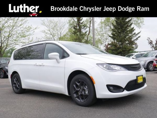 2020 Chrysler Pacifica in Brooklyn Park, MN