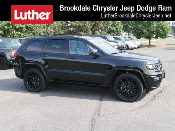 2017 Jeep Grand Cherokee in Brooklyn Park, MN
