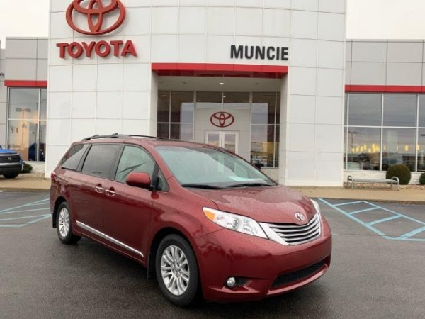 2015 Toyota Sienna in Muncie, IN