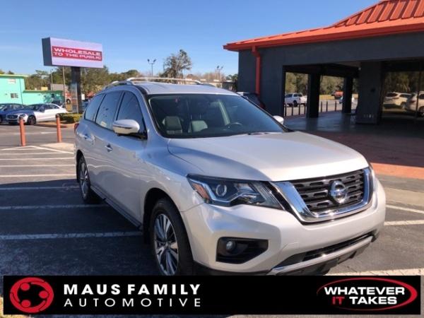 2017 Nissan Pathfinder in Homosassa, FL