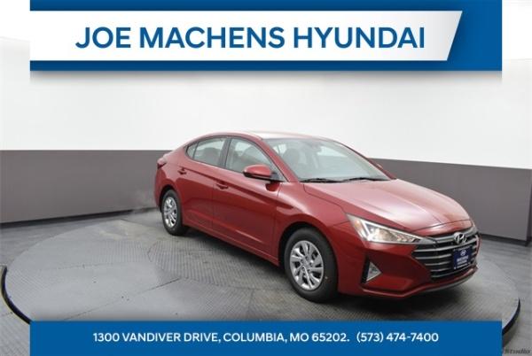 2020 Hyundai Elantra in Columbia, MO
