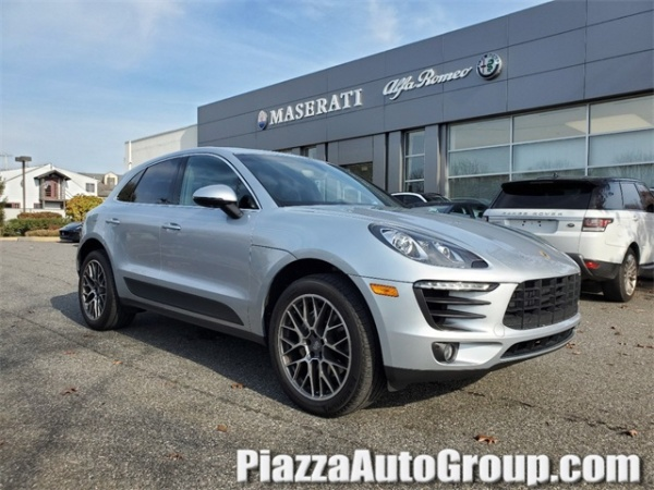2016 Porsche Macan in Chadds Ford, PA