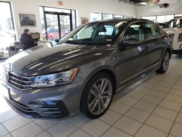 2017 Volkswagen Passat in Lowell, MA