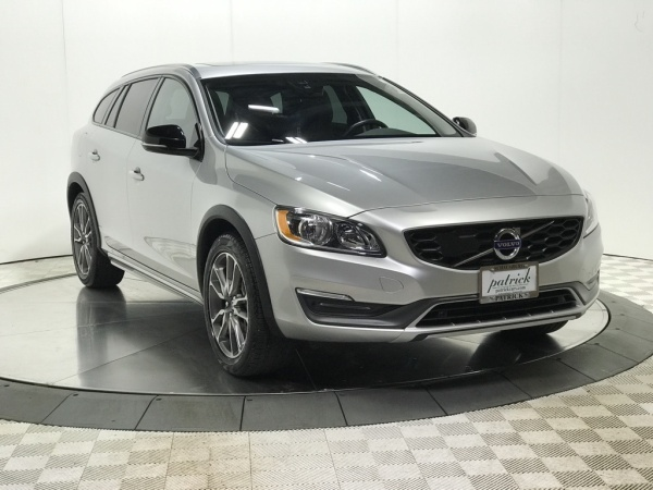 2016 Volvo V60 Cross Country in Schaumburg, IL