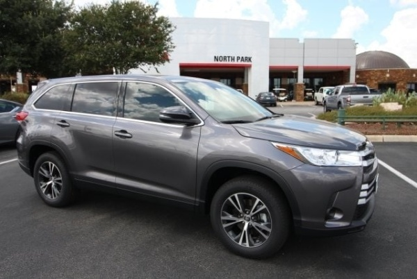 2019 Toyota Highlander in San Antonio, TX