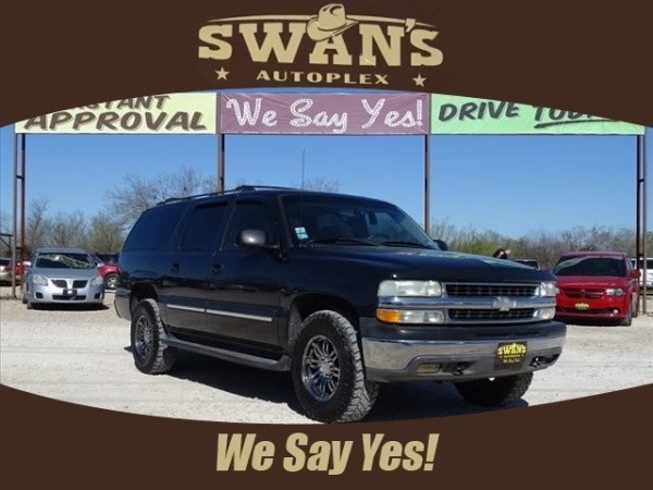 2004 Chevrolet Suburban in Jourdanton, TX