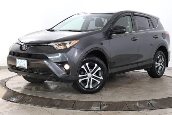 2018 Toyota RAV4 in Somerville, NJ