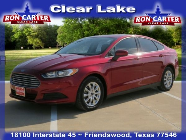 2016 Ford Fusion in Friendswood, TX