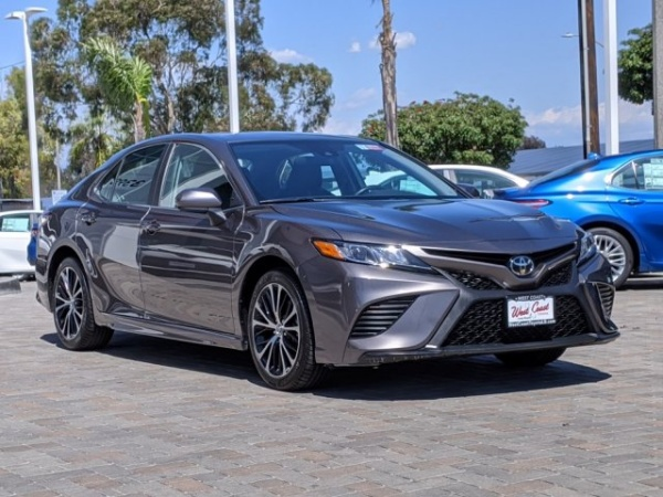 2019 Toyota Camry in Long Beach, CA
