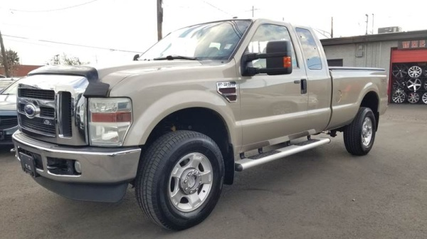 2010 Ford Super Duty F-350 Lariat