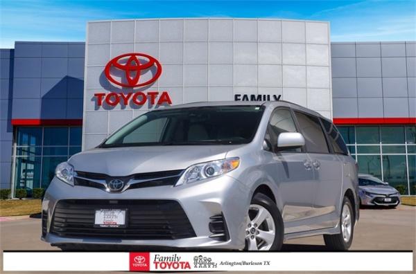 2020 Toyota Sienna in Arlington, TX