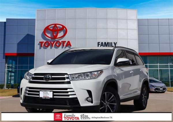 2019 Toyota Highlander in Arlington, TX