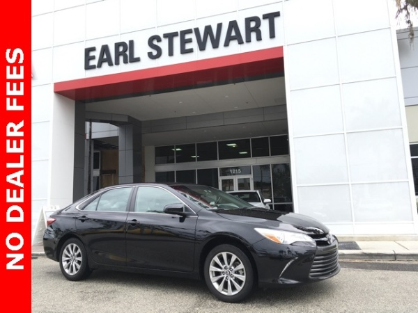 2017 Toyota Camry in Lake Park, FL