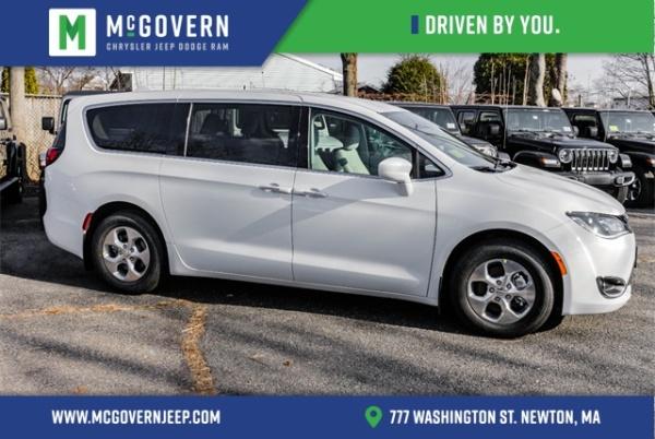 2019 Chrysler Pacifica Hybrid Touring Plus