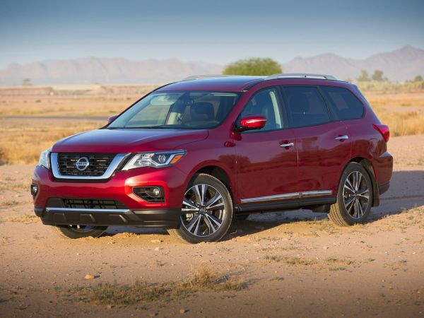 2020 Nissan Pathfinder in Madison, WI