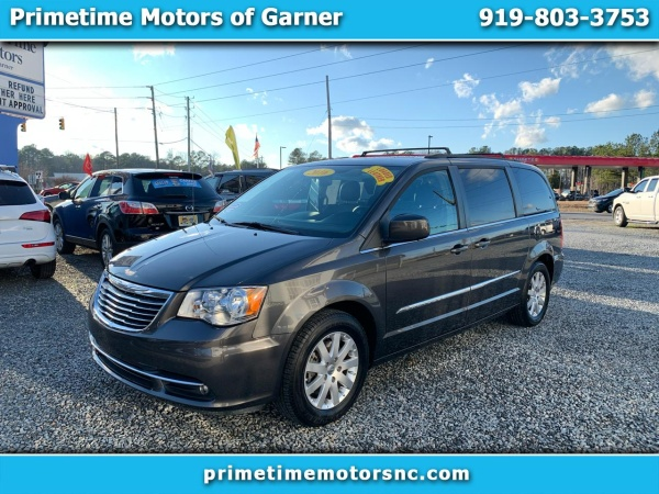 2016 Chrysler Town & Country in Garner, NC