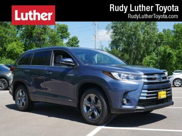 2019 Toyota Highlander in Golden Valley, MN