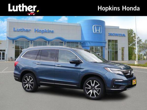 2020 Honda Pilot in Hopkins, MN