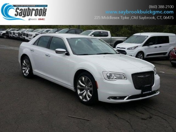2018 Chrysler 300 in Old Saybrook, CT