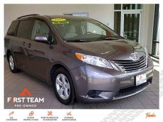 58641d55d6e944 2017 Toyota Sienna LE 8-Passenger FWD for Sale in Suffolk