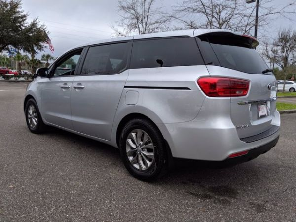 2021 Kia Sedona in Gainesville, FL
