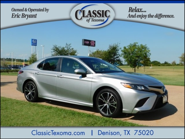 2018 Toyota Camry in Denison, TX