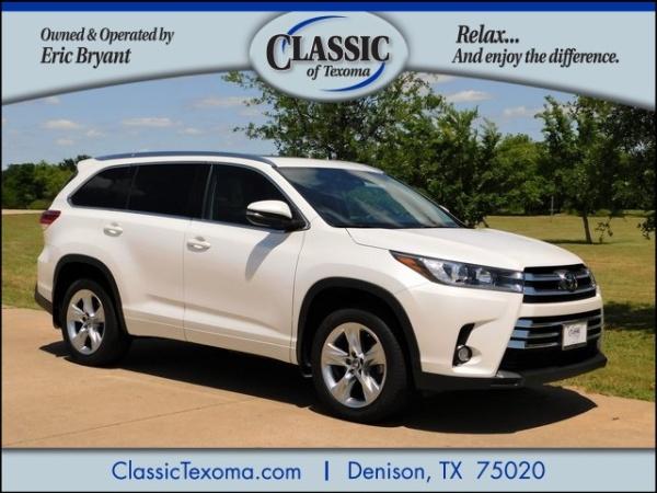 2017 Toyota Highlander in Denison, TX
