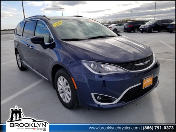 2019 Chrysler Pacifica in Brooklyn, NY