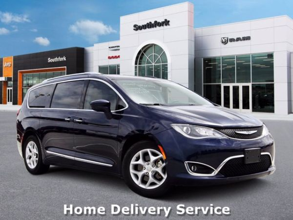 2017 Chrysler Pacifica in Manvel, TX