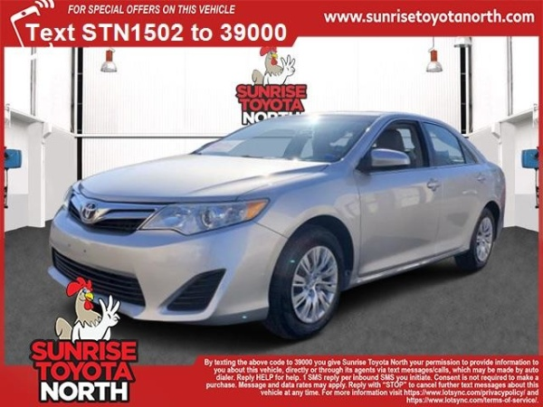 2014 Toyota Camry in Middle Island, NY