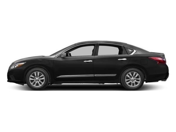 2017 Nissan Altima in Lawrenceville, GA