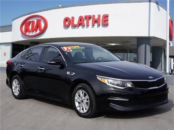 2016 Kia Optima in Olathe, KS