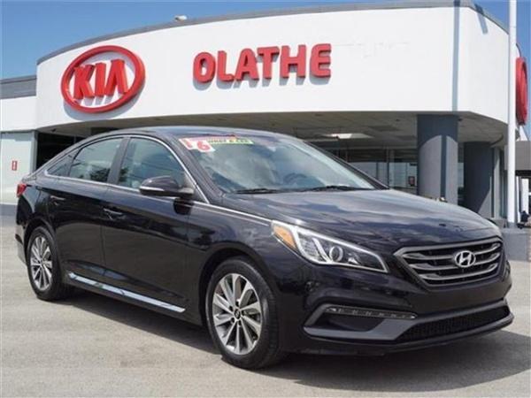 2016 Hyundai Sonata in Olathe, KS