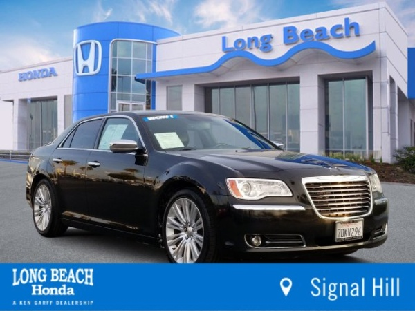 2014 Chrysler 300 in Signal Hill, CA