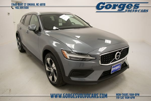 2020 Volvo V60 Cross Country in Omaha, NE
