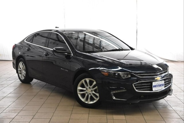 2017 Chevrolet Malibu in West Allis, WI
