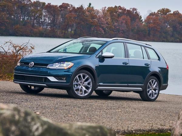 2019 Volkswagen Golf Alltrack in Plainfield, CT