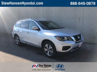 Used 2018 Nissan Pathfinder SV 4WD For Sale In Des Moines, IA