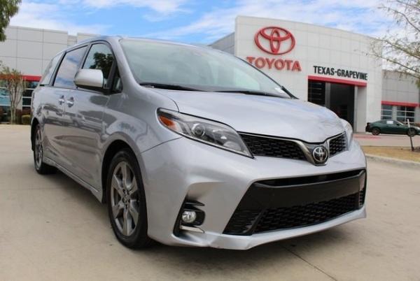 2018 Toyota Sienna in Grapevine, TX