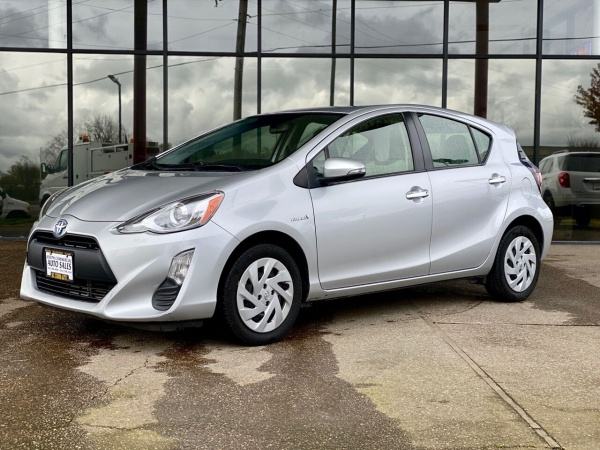 2016 Toyota Prius c in Albany, OR