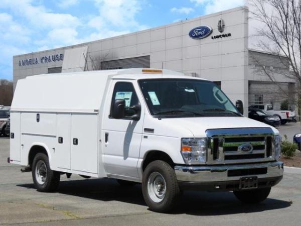 "2019 Ford E-Series Cutaway \E-350 SRW 138\""\"" WB\"""""