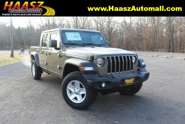 2020 Jeep Gladiator in Ravenna, OH