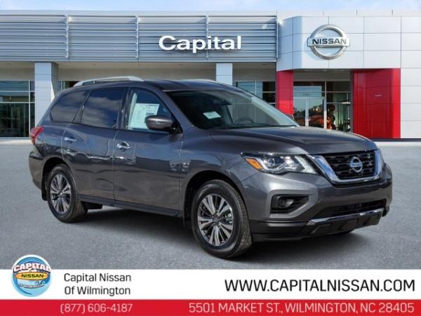 2020 Nissan Pathfinder in Wilmington, NC
