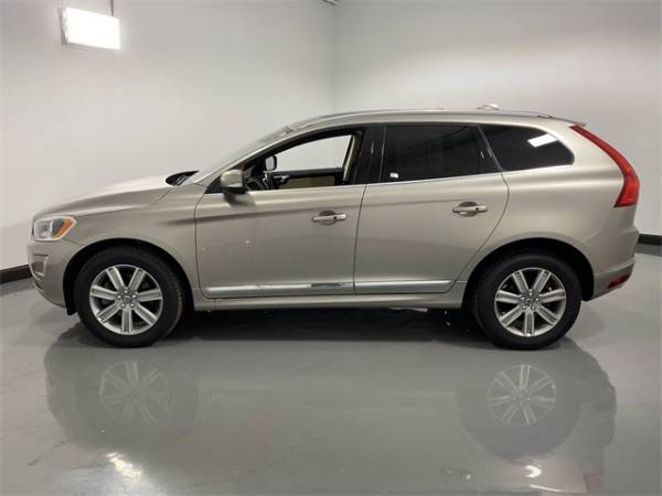2016 Volvo XC60 in Arlington Heights, IL