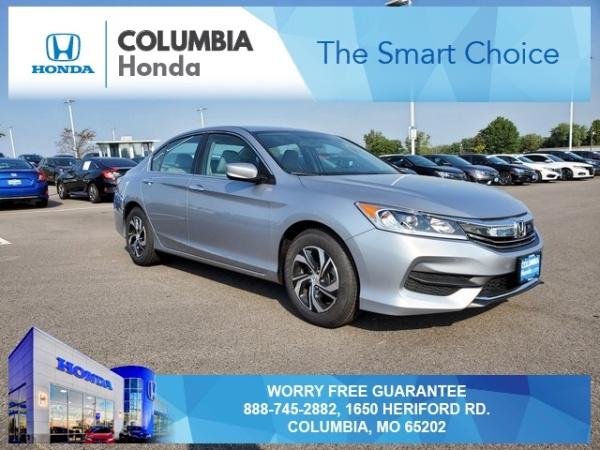 2017 Honda Accord in Columbia, MO