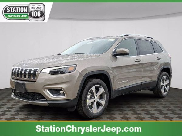 2020 Jeep Cherokee in Mansfield, MA