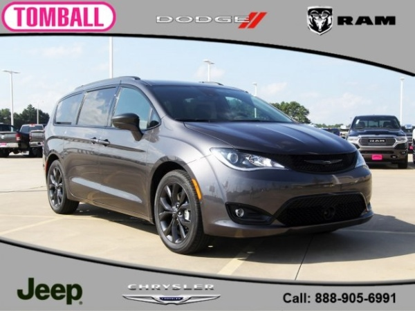 2020 Chrysler Pacifica in Tomball, TX