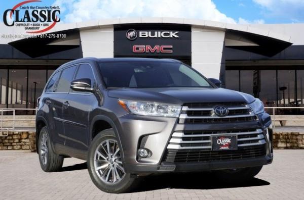2017 Toyota Highlander in Granbury, TX