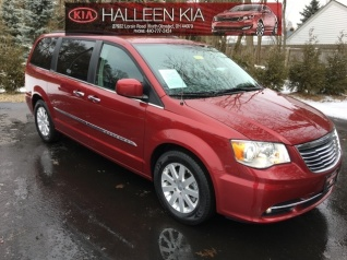 35fdaa991e 2016 Chrysler Town   Country Touring for Sale in North Olmsted