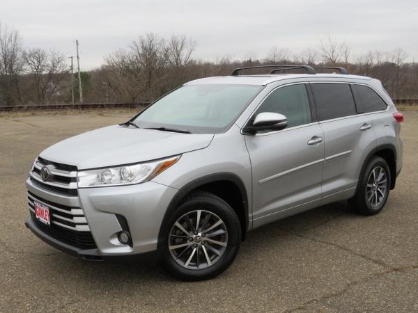 2017 Toyota Highlander in Akron, OH